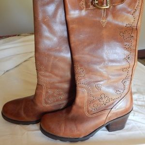 Ariat Boots 9 Super cute!